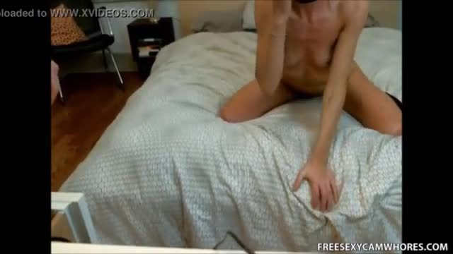 Leigh raven gets her tight pussy pounded hard on the bed