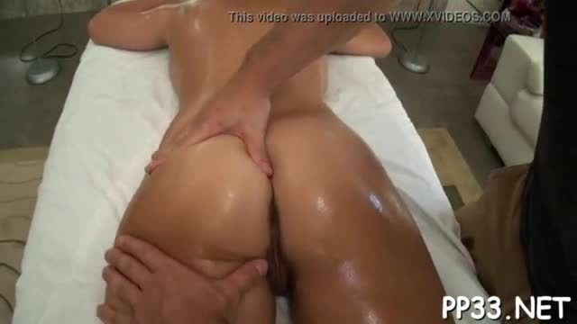 Babe is giving man a ramrod engulfing experience